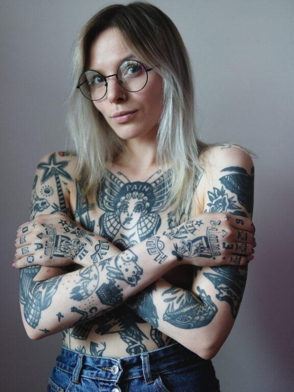 Tatouage post-mastectomie : aimer son corps après le cancer